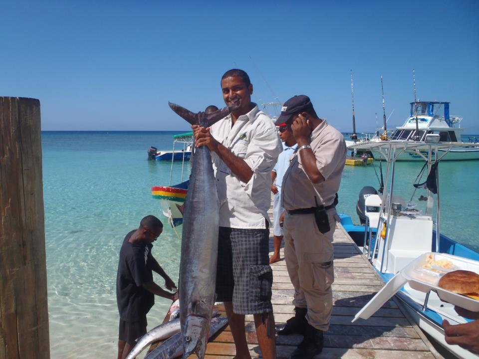 Fishing in Roatan